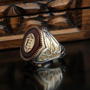 خاتم فضة عيار 925 مرصع بحجر العقيق مطلي بتصميم مميز مع نقش حرف
