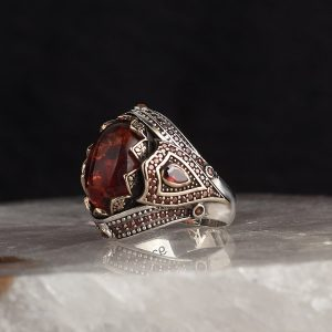 خاتم فضة عيار 925 مرصع بحجر الكهرمان بتصميم مميز