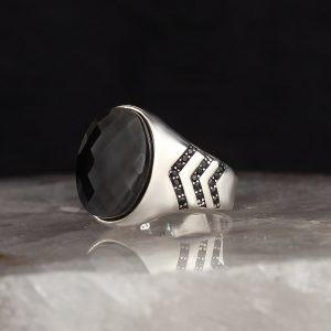 خاتم فضة عيار 925 مرصع بحجر الزيركون الاسود تصميم سادة