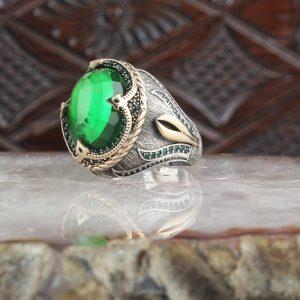 خاتم فضة عيار 925 مرصع بحجر الزيركون الأخضر بتصميم جذاب