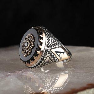خاتم فضة عيار 925 مرصع بحجر اونكس مع كتابة حرف على الجانب