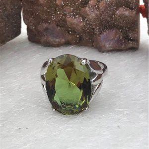 خاتم فضة نسائي عيار 925 مرصع بحجر السلطانيت يتغير لونه حسب الإضاءة