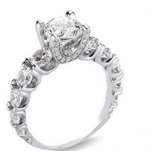 خاتم فضة نسائي عيار 925 مرصع بأحجار سواروفسكي بتصميم مميز