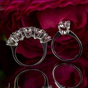 خاتم خمس احجار مع خاتم حجر واحد فضة نسائي عيار 925 مرصعين بأحجار سواروفسكي بتصميم مميز