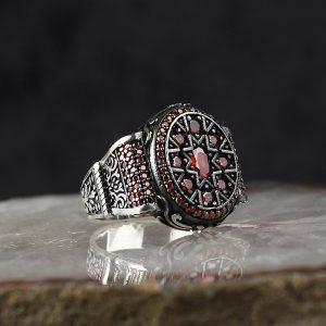 خاتم فضة عيار 925 مرصع بأحجار الزيركون الاحمر بتصميم أنيق