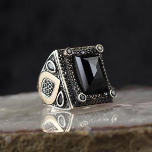 خاتم فضة عيار 925 مرصع بحجر الزيركون الاسود بتصميم أنيق