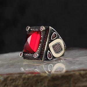 خاتم فضة عيار 925 مرصع بحجر الزيركون الاحمر بتصميم أنيق
