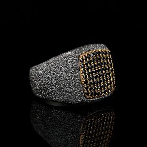 خاتم فضة رملي عيار 925 مطلي مرصع باحجار الزيركون بتصميم انيق