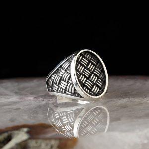 خاتم فضة عيار 925 مزخرف بصناعة يدوية و تصميم أنيق