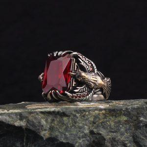 خاتم فضة عيار 925 مرصع بحجر الزيركون الاحمر بتصميم النسر